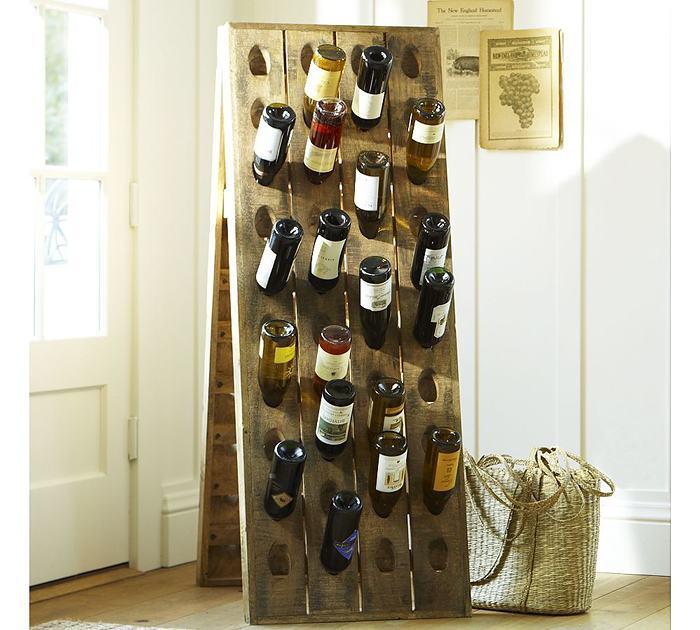 Бутылки в интерьере кухни